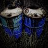 錆びたドラム缶が二つありました。