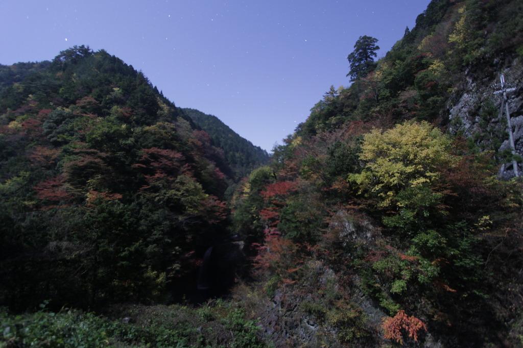 深夜の大滝