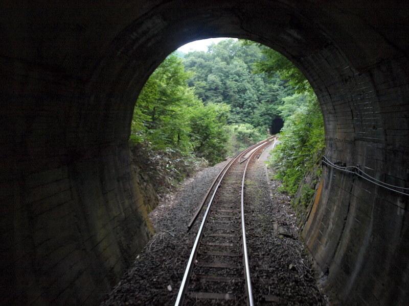 トンネル抜ければ