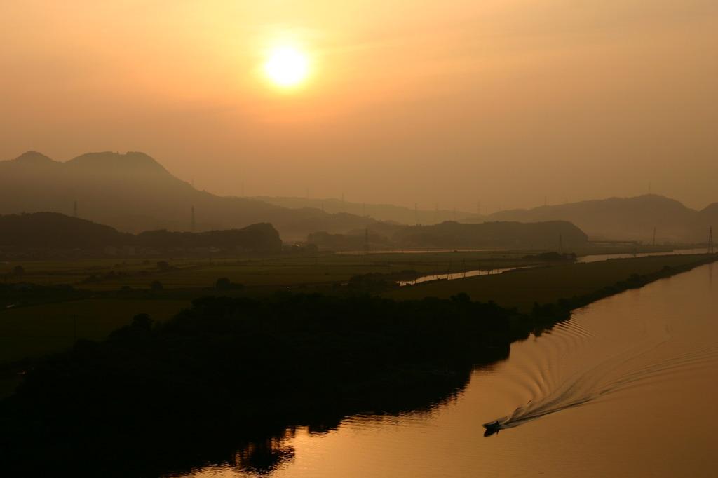 朝靄の大橋川