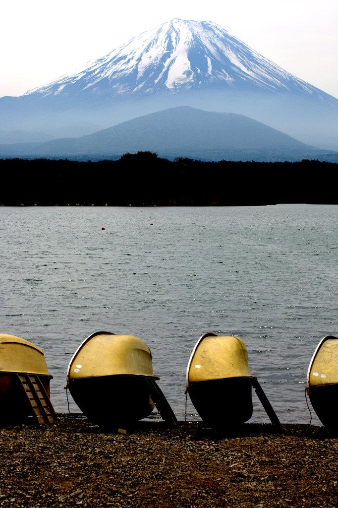 精進湖富士