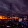鉄塔を覆う群雲