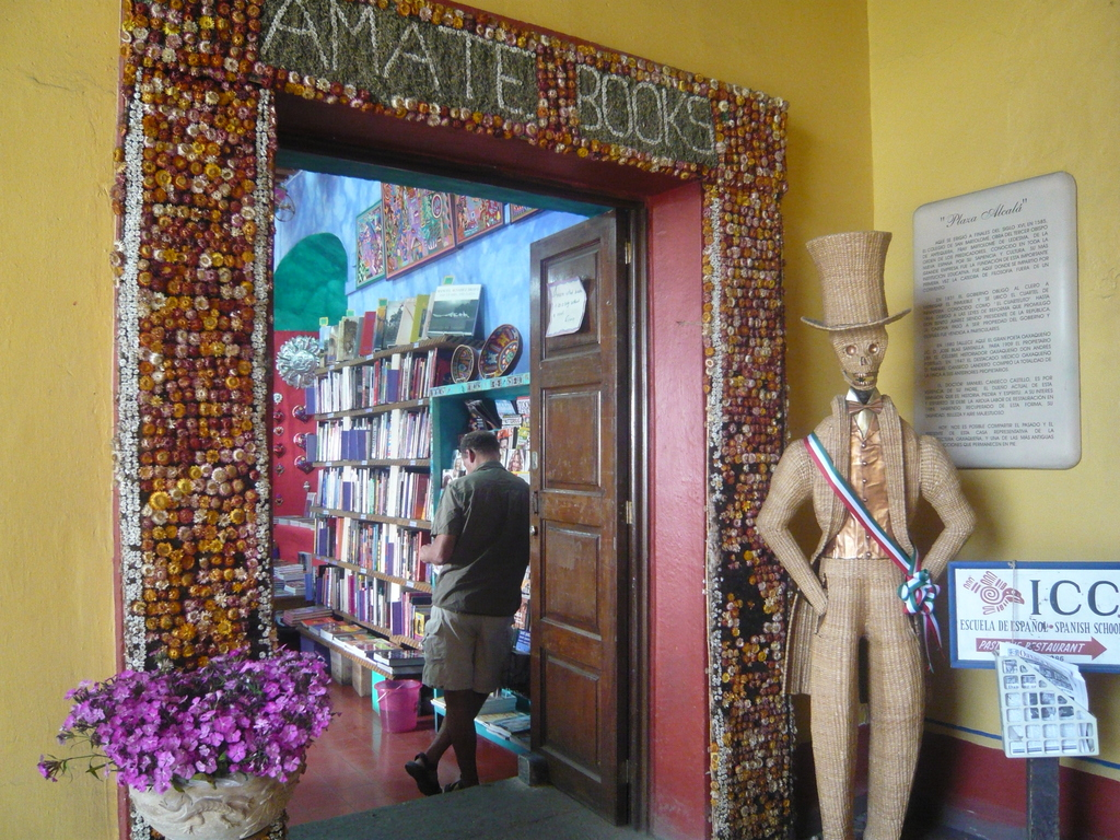 AMATE BOOKS