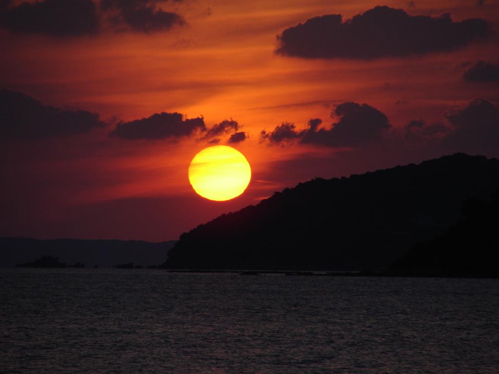 ほんとは太陽は丸い(DSC00114)