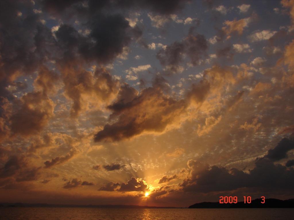雲の隙間より(DSC04450a)