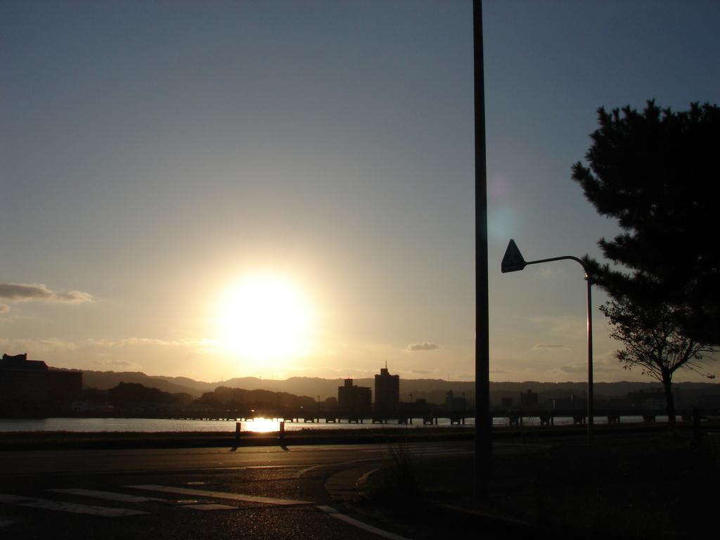 沈みゆく夕陽(DSC05047)