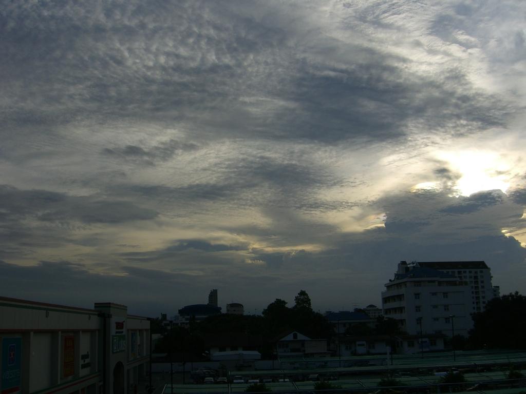 雨上がり。バンコク郊外