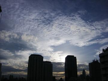 バンコクの空<あめあがり>