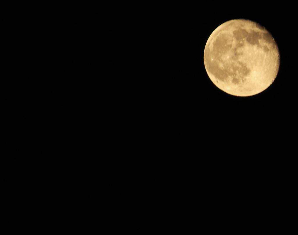月夜の明かり