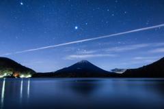 精進湖の星空