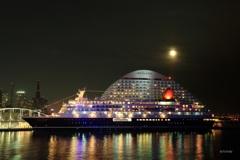 月夜の客船