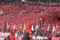 赤黒サポーター