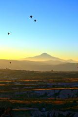 Kapadokya 01 朝焼けのエルジェス山