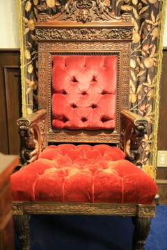167サターンの椅子