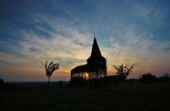 夕陽に浮かぶ、透ける教会(その4)