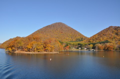 洞爺湖 中島の秋