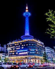 京都タワー/ブルーにライトアップ
