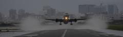 雨の伊丹空港5