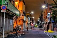 真夜中の商店街