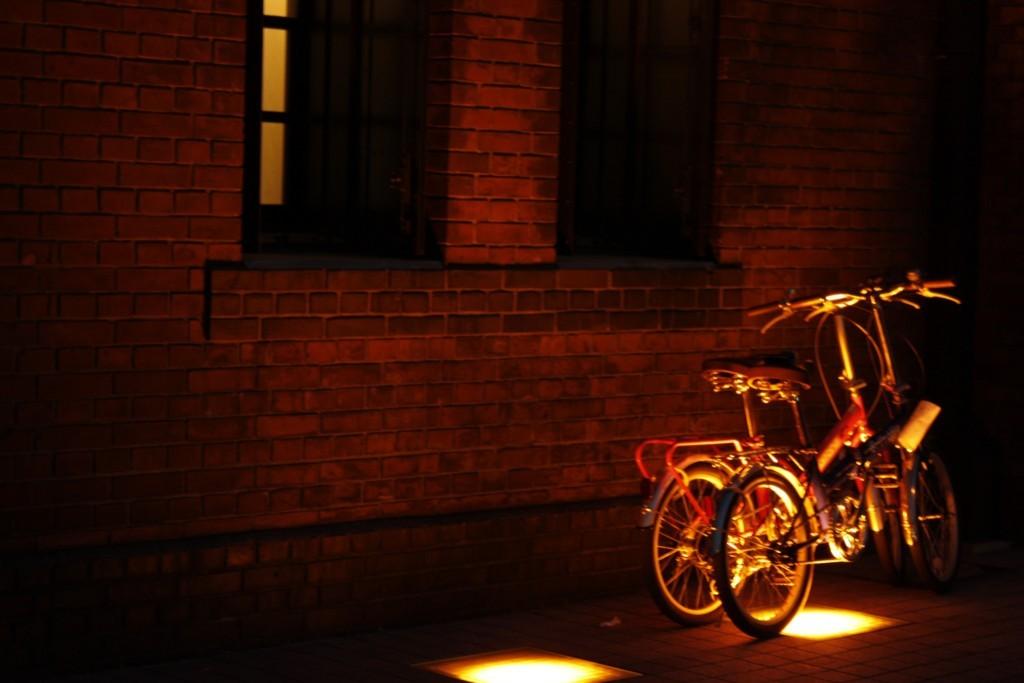 赤レンガとちび自転車