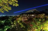 紅葉まであと少し・・清水寺のライトアップ