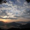 朝日射す雲海