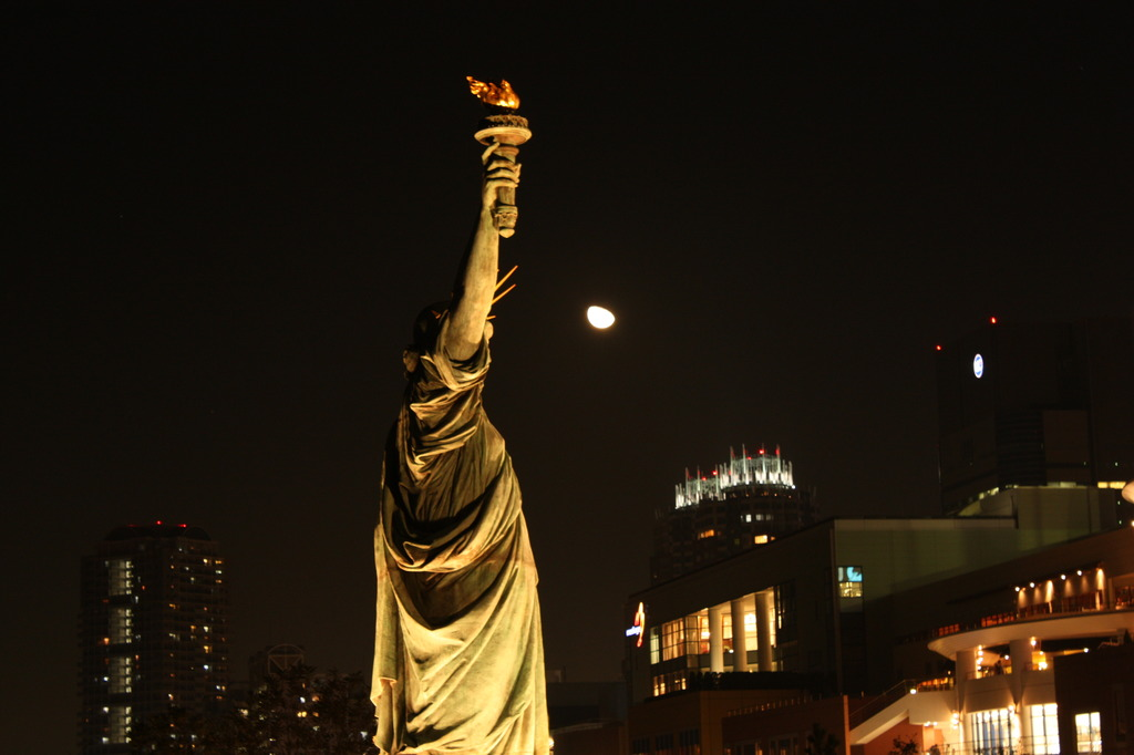 月夜の女神