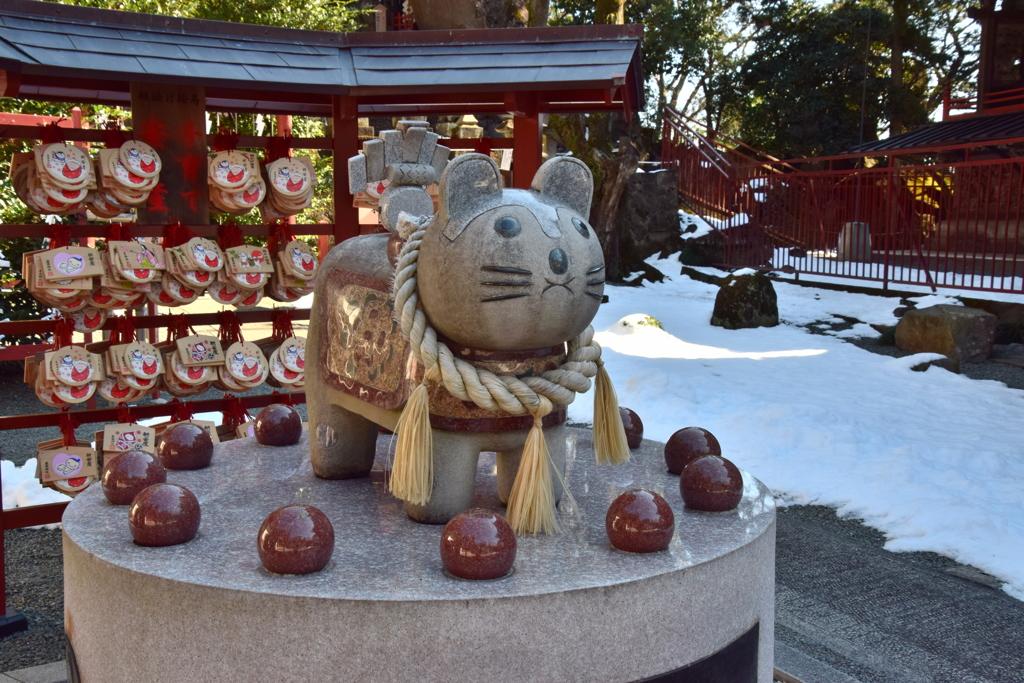産泰神社の「子育て戌」2