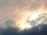 雲間の朝陽