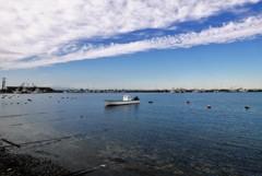 秋・・いつもの漁港・・いつもの一艇