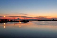 残照・港の明かり・藍の海…そして富士と