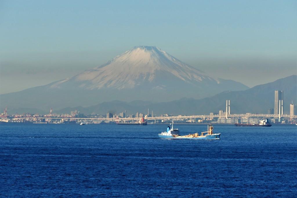 富士山・・・海ほたるから