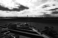 空港と煙突