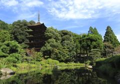 秋晴れの瑠璃光寺