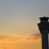 黄昏時の管制塔