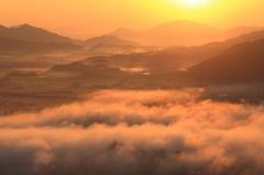 朝霧の街・赤