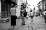 山塘街で撮る人