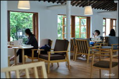 休日のカフェ