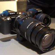 SONY NEX-5で撮影したインテリア・オブジェクト(NEX-5N + LA-EA2 斜め正面から)の写真(画像)