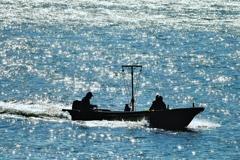 海に生きる 夫婦船