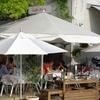 元安川のオープンカフェ