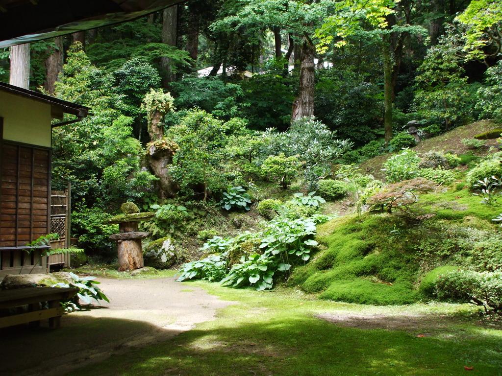 三徳山で見た庭