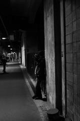 ガード下の撮影者