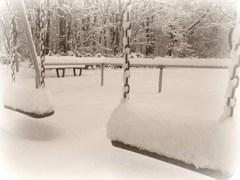 雪、積もる@ブランコ