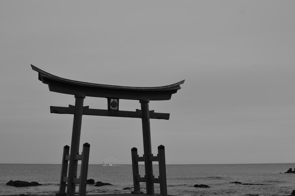 北海道で唯一の海の中の鳥居