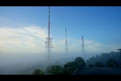 押し寄せる雲海