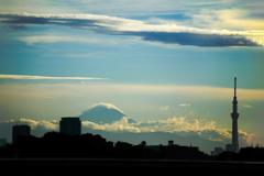 夏雲湧き上がる富士 01