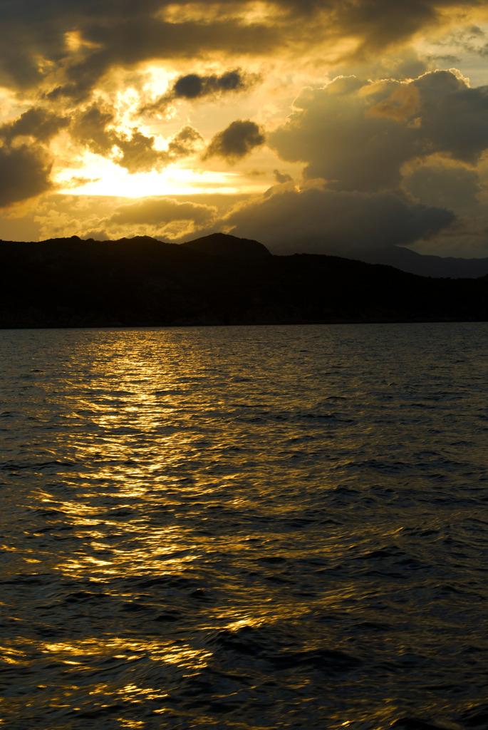 黄色い夕日