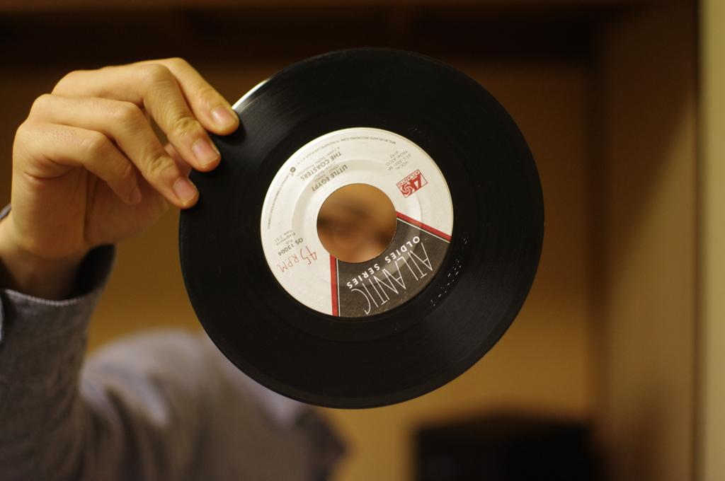 レコードと人