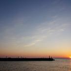 夕暮れの突堤